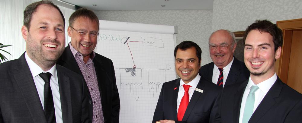 v.l.: Dr. Andreas Wegner, Prof. Gerd Witt, Giovanni Malaponti, Klaus-G. Fischer und Dr. Stefan Westermaier, Fotonachweis: Sparkasse am Niederrhein