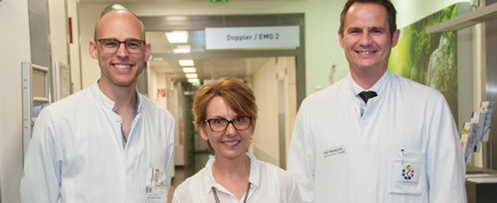 v.l. PD Dr. Benedikt Frank, Klinik für Neurologie, Dr. Sabine Schipper, DMSG, und Prof. Dr. Christoph Kleinschnitz, Direktor der Klinik für Neurologie