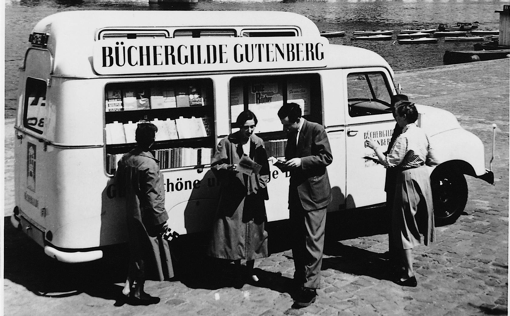 Ein Bücherbus der 50er Jahre. Bildnachweis: Büchergilde Gutenberg