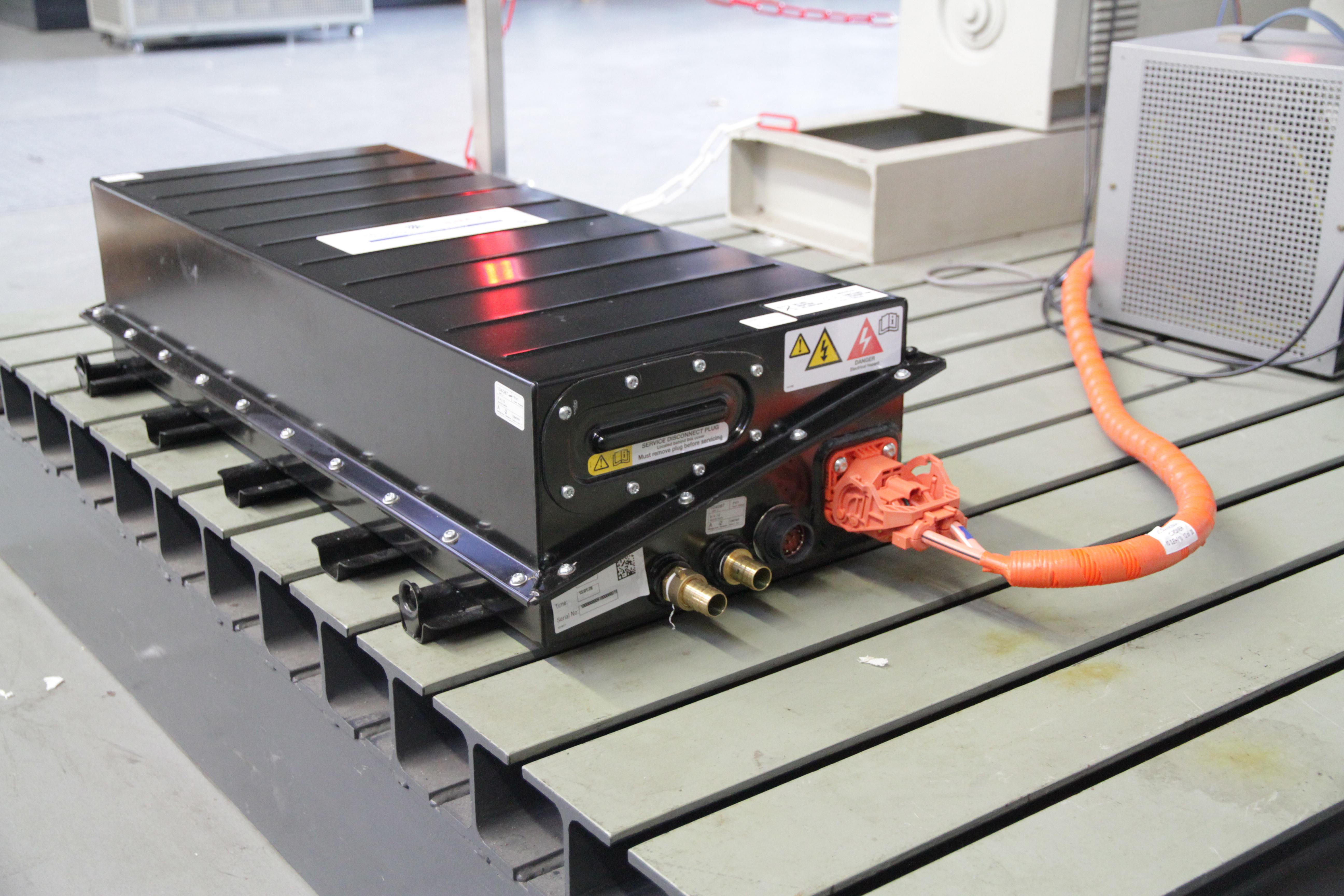 Lithium-Ionen-Batterie für Auto-Teststand im Fachgebiet Energietransport und –speicherung