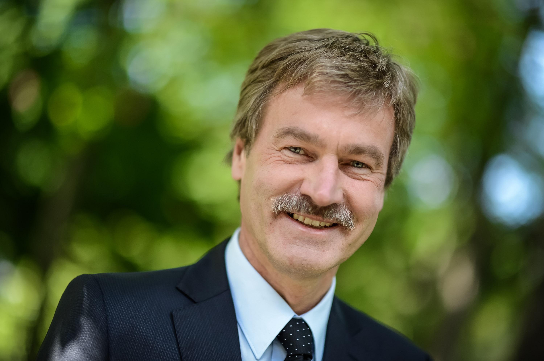Prof. Heusch