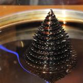 Ferrofluid-Brunnen mit Igel-Struktur, Fotonachweis: UDE