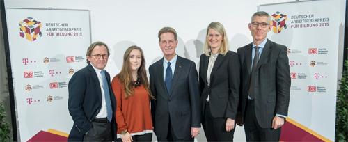 (v.l.): Ulrich Weber (Deutsche Bahn), Nina Kluge (UDE), Dr. Gerhard F. Braun (BDA), Prof. Dr. Isabell van Ackeren (UDE) und Dr. Christian P. Illek (Deutsche Telekom). Bildnachweis: BDA