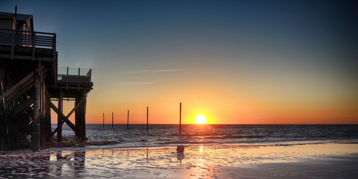 Abendstimmung am Strand in St. Peter Ording.