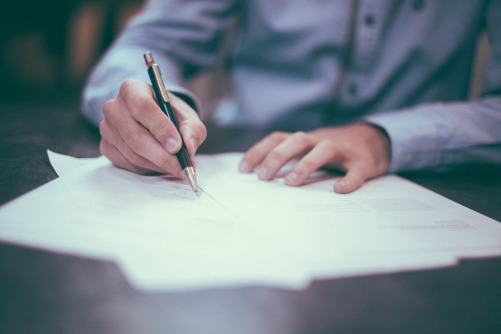 Versicherungen Aufenthalt Mit Arbeitsvertrag